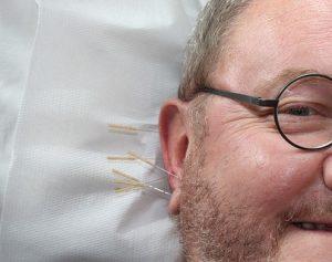 Een combinatie van behandelingen, zoals pijnbestrijding gecombineerd met acupunctuur, zorgt voor een optimaal resultaat.
